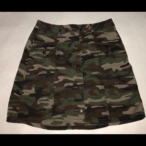 Army green/camp printed skirt